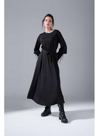 Mizalle Kolları Pullu Siyah Elbise Siyah